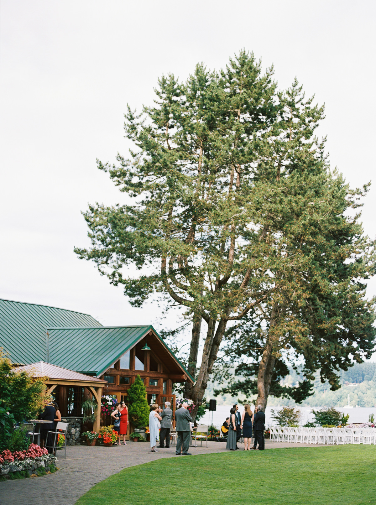 A summer ceremony at Kiana Lodge photographed by Anna Peters