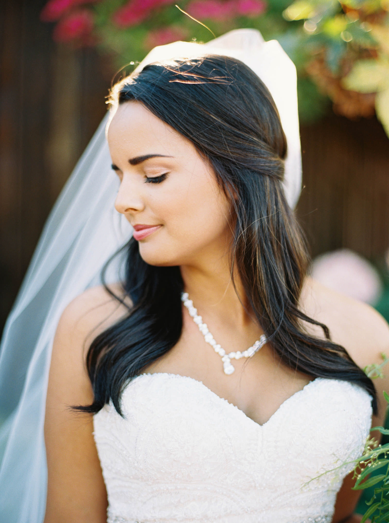 A gorgeous fall bride at Kelley Farms   Seattle Wedding Photographer Anna Peters