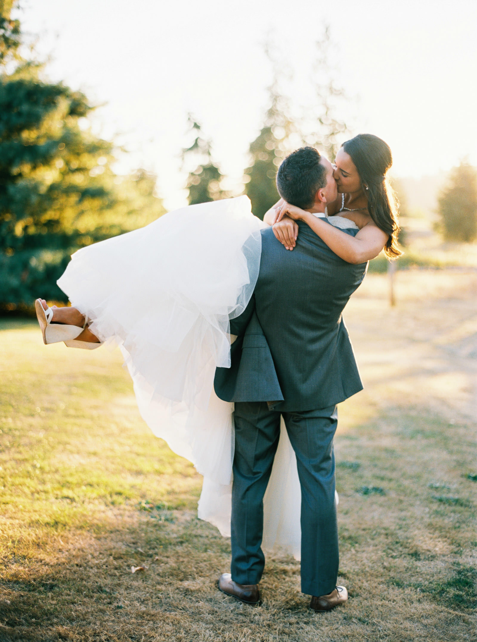 Elegant Bride and Groom portraits at a Fall Kelley Farms Wedding   Seattle Wedding Photographer Anna Peters