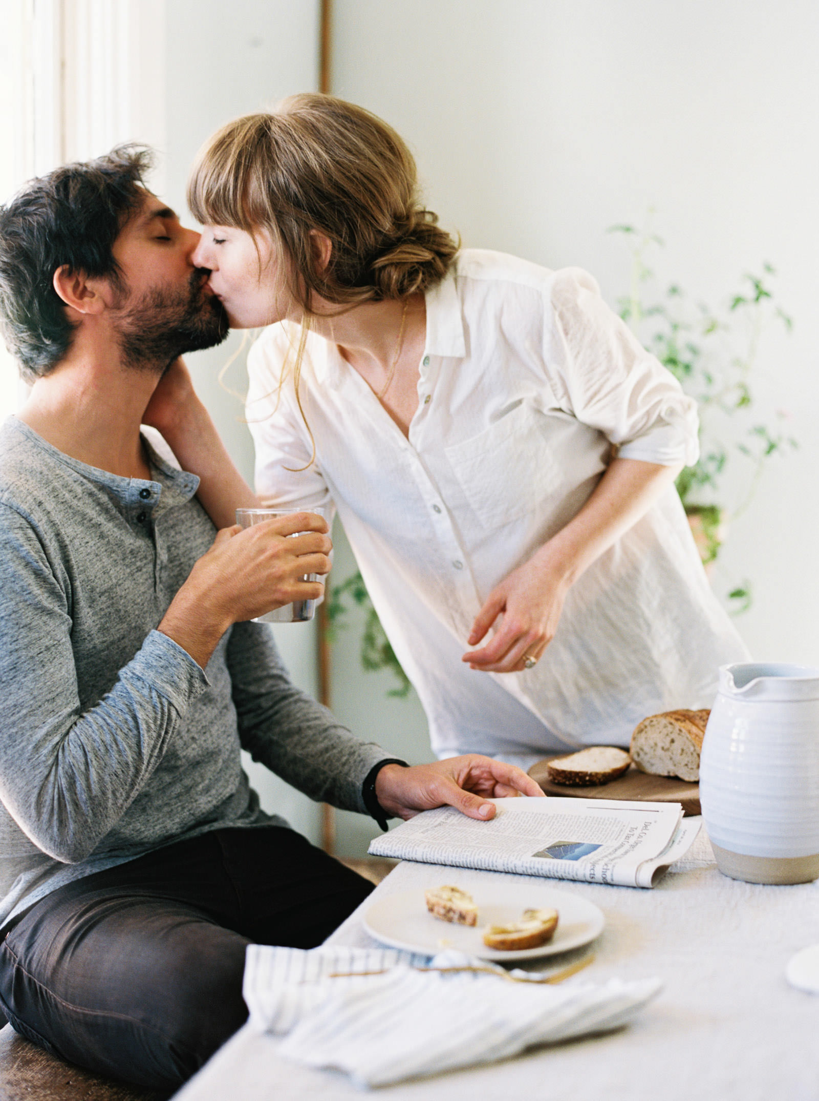 Relaxed, intimate Catskills Engagement Session at Table on Ten | Destination Wedding Photographer Anna Peters