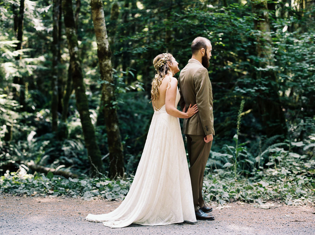 First look in Mt Rainier Forest before Seattle Wedding captured by Photographer Anna Peters