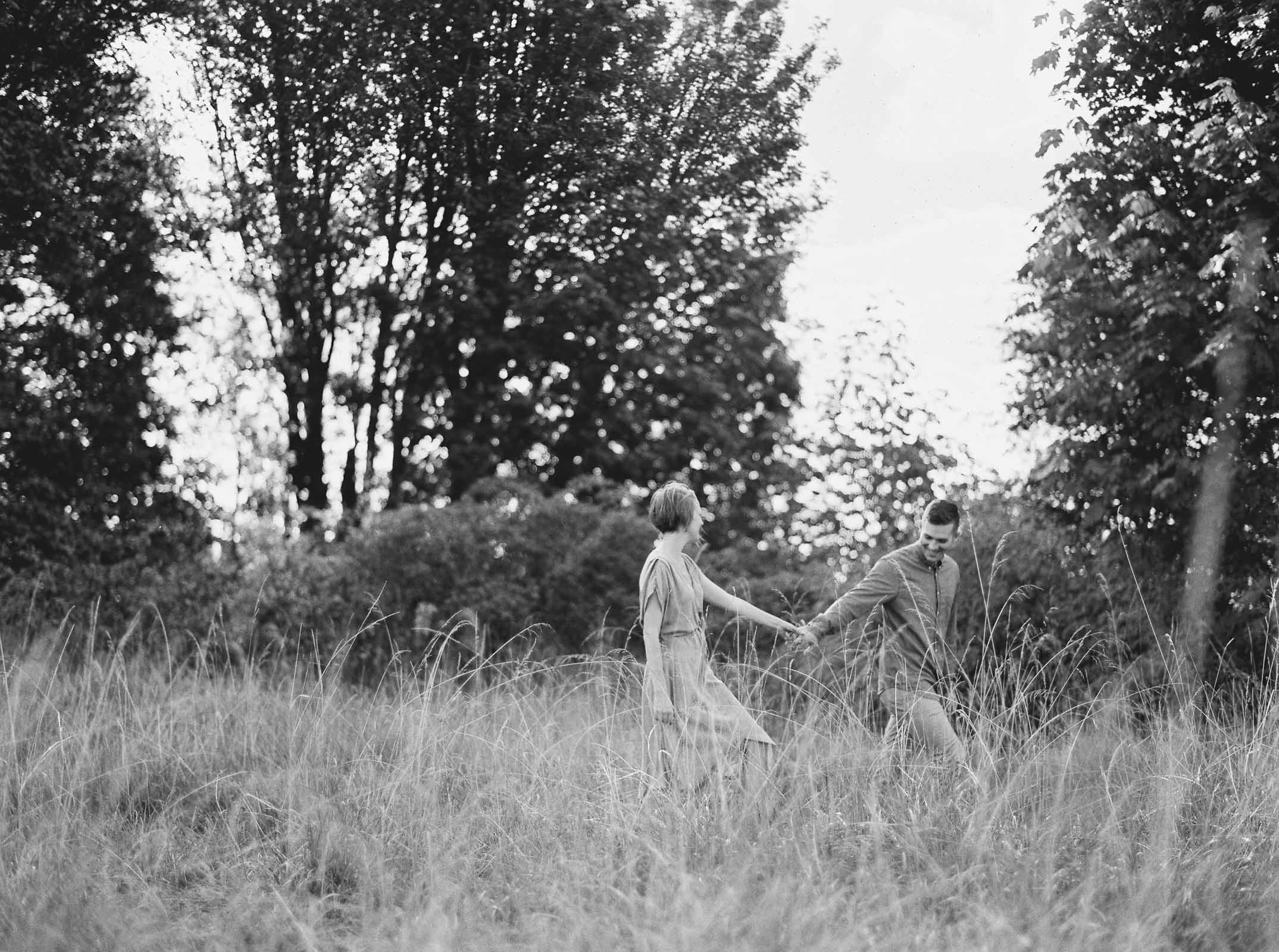 Stylish Discovery Park engagement session by top Seattle Wedding Photographer Anna Peters