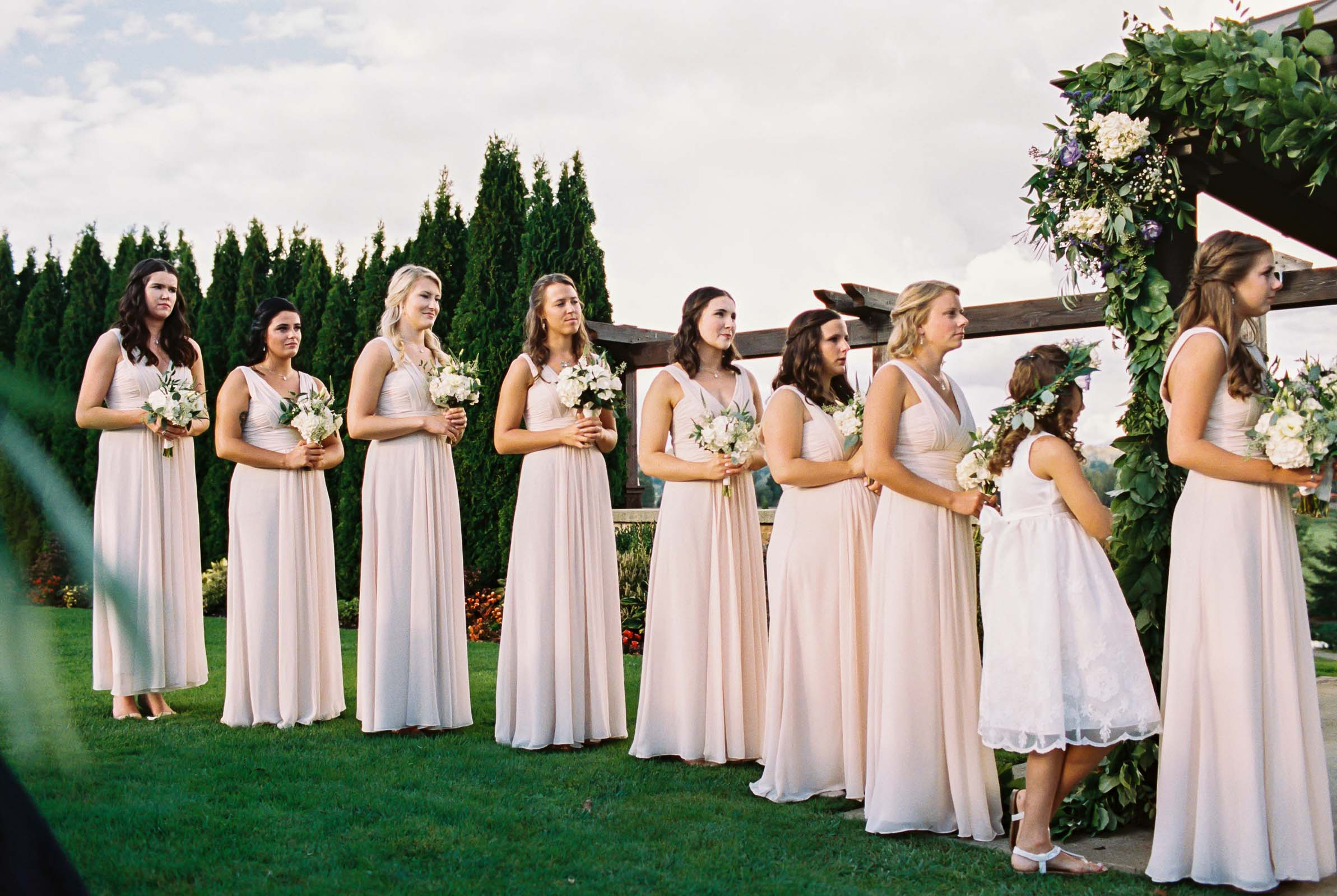 Summer Lord Hill Farms wedding ceremony photographed by Seattle wedding photographer Anna Peters