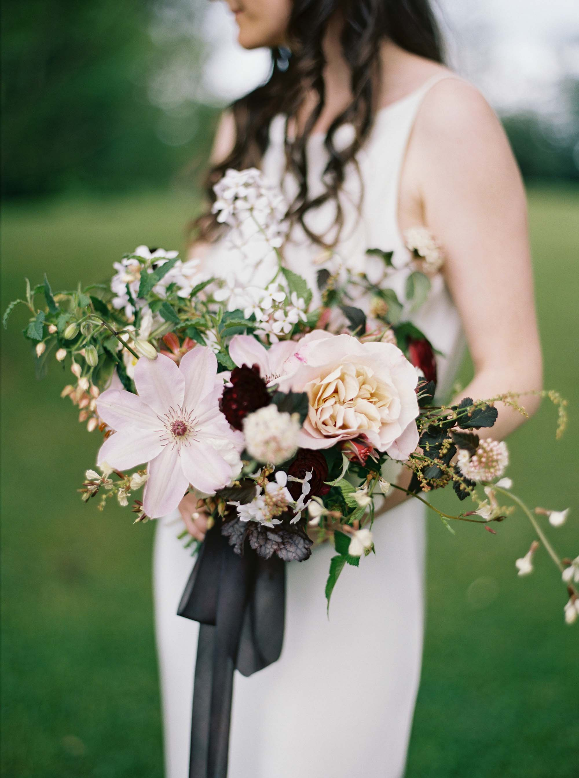 Lifestyle floral photography captured at Wildshoot Farm by Seattle Wedding Photographer Anna Peters