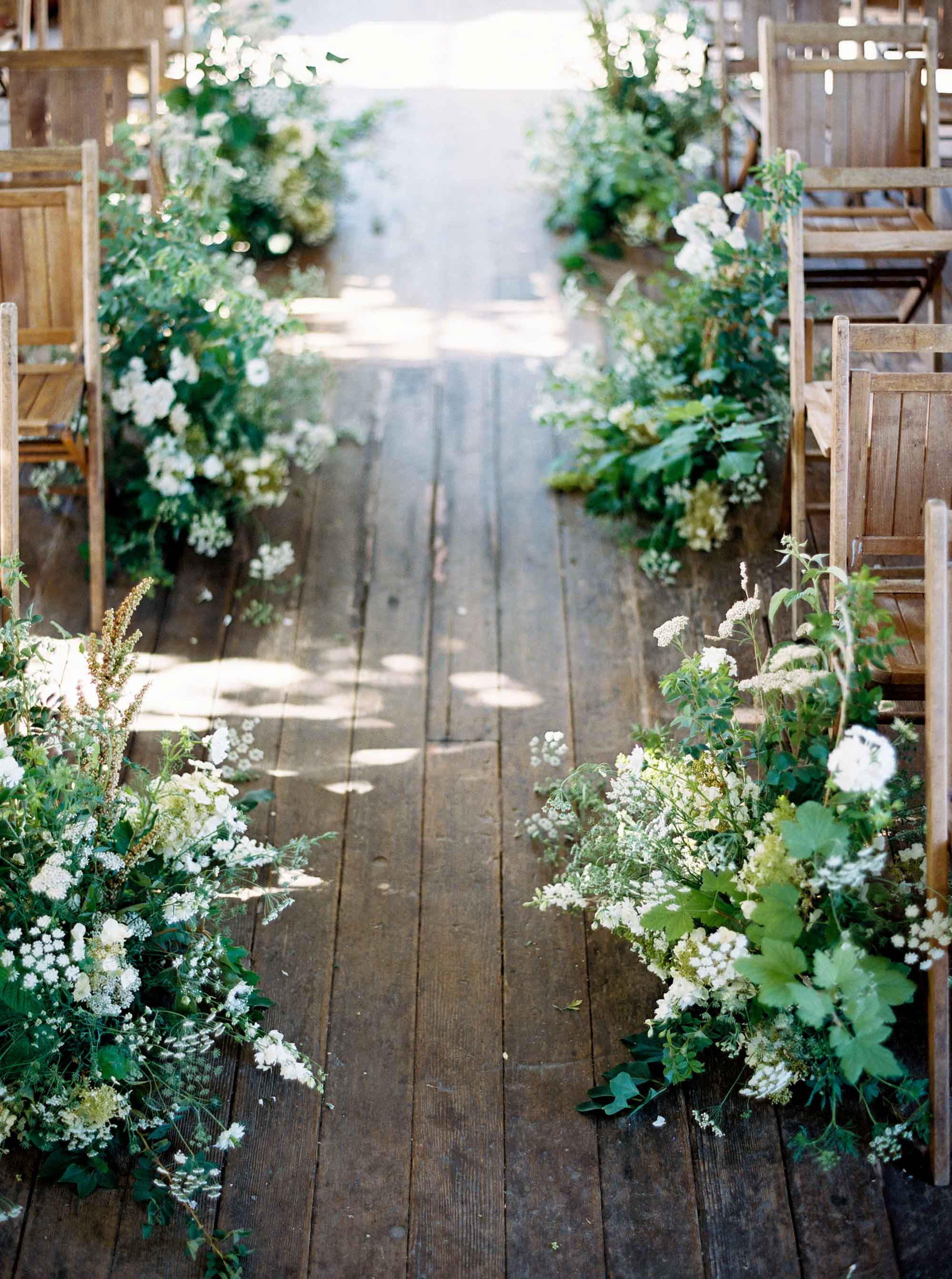 Elegant spring Garden Inspiration at Christionson's Nursery by Seattle Wedding Photographer Anna Peters